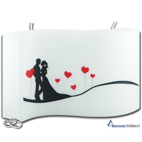 Hochzeitskerze mit Brautpaar und Herzen