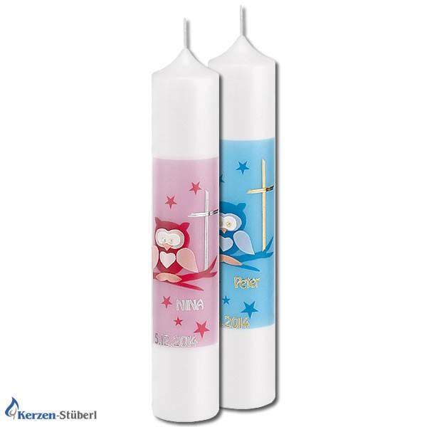 Abbildung mit einer Eule verzierte Taufkerze in dn Farben Rosa für Mädchen und Hellblau für Jungen.